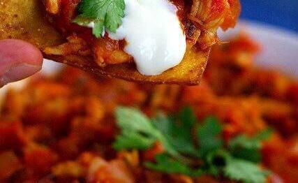 Tinga de pollo – nadzienie z kurczaka do tostadas