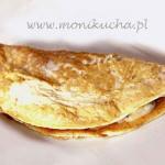 Omlet z serem gorgonzola, boczkiem i gruszkami