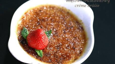 Miętowo-truskawkowy crème brûlée