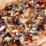 Przepis na ciasto na pizzę – jak zrobić pizzę w domu