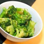 Brokuły stir fry z imbirem