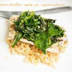 Filet z białej ryby ze szpinakiem