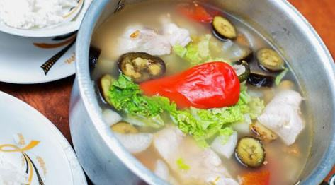 Zupa Sinigang na Sampalok – tradycyjna zupa filipińska