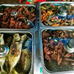 """Czy Filipiny są tanie? Fakty i mity dotyczące cen i kosztów życia na Filipinach. Część 1: jedzenie """"na mieście"""""""