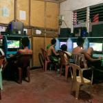 Hałas na Filipinach część 2 – muzycznej audycji rozkład dnia