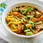 Zupa rybna z dynią, imbirem i mleczkiem kokosowym na ostro