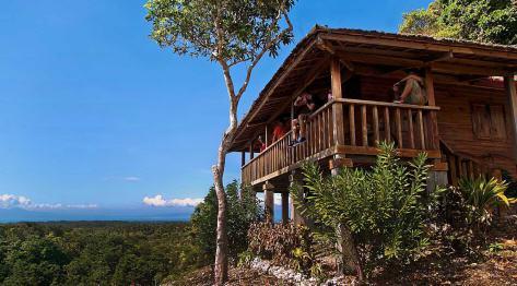 Siquijor, Filipiny – trekking w górach i sprzątanie plaży Solangon w San Juan