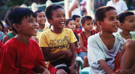 """Polskie """"Kino na Filipinach"""" – Wieczór Filmowy na wyspie Siquijor – od pomysłu do premiery"""